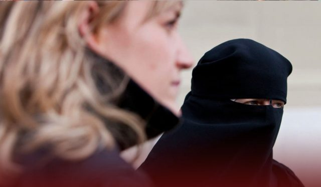 Swiss Voters Approved to Ban Public Facial Coverings in Referendum